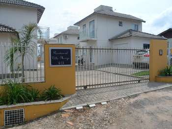 linda casa em condomínio fechado