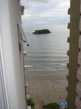 Apto 3 Dormitórios localizado na quadra do mar