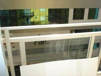Apartamento centro 02 dormitórios Avenida Brasil.