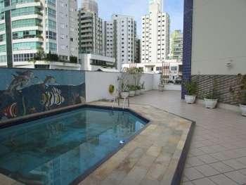 Apto com piscina privativa - Temporada B. Camboriú