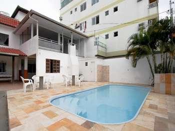 Casa com piscina  Temporada B. Camboriú