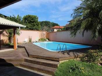 Loca��o Casa na Praia dos Amores - B. Cambori�