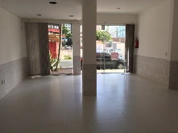 Sala comercial no centro de Balneário Camboriú.