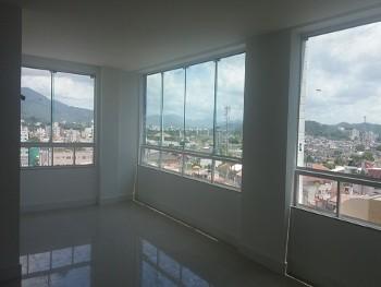 Apartamento 03 suítes, novo.