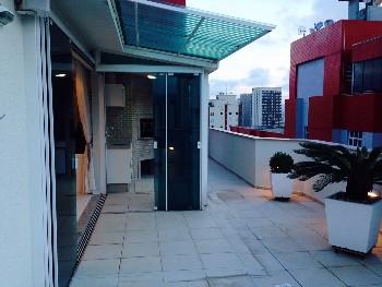 Cobertura de 02 dormitórios em Balneário Camboriú.