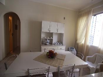 Apto 02 dormitórios na Quadra Mar em BC.