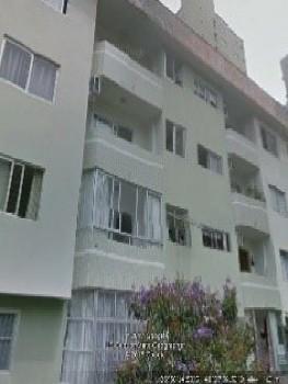 3 dormitórios + Dependência - Região Central!